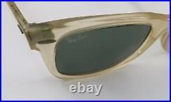 Bausch And Lomb Ray Ban Wayfarer Crystal Frosted W0942 5022